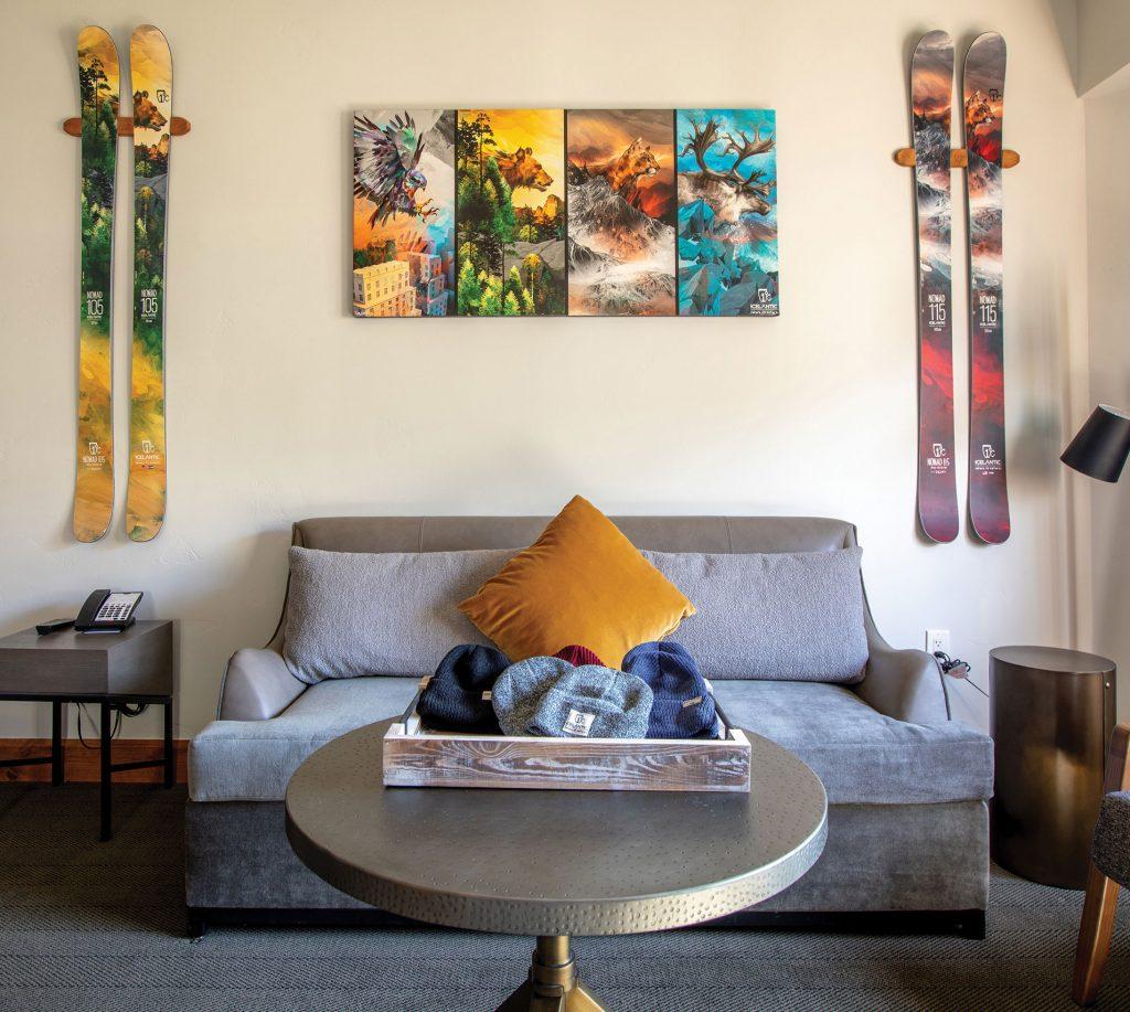 Vail Marriott Mountain Resort Icelantic Skis-themed Junior Timberline Suite