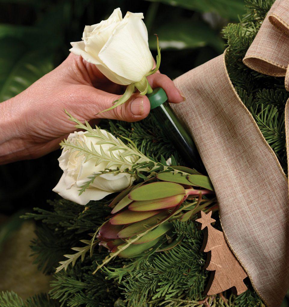 Arapahoe Floral wreath water tube